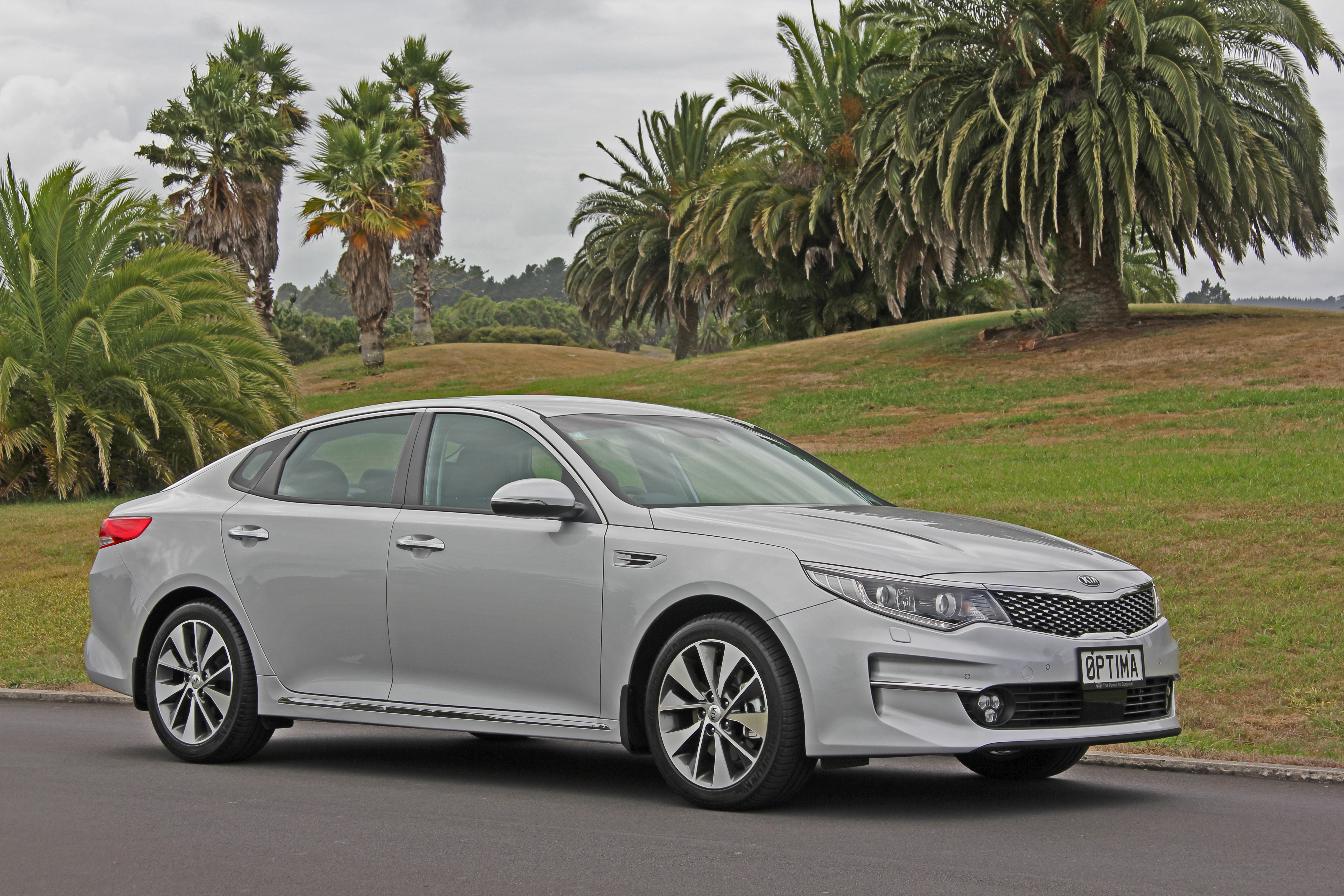 New Kia Optima: More space, luxury & safety · New SUVs ...